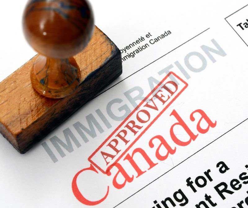 Protégez-vous contre la fraude à l'immigration au Canada?