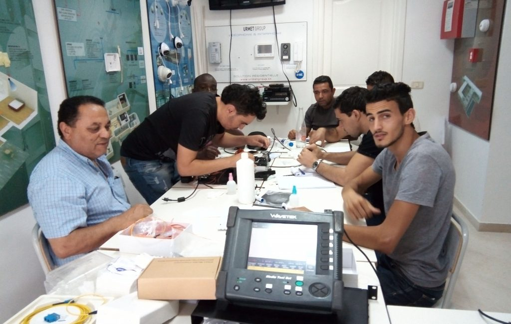 formation fibre optique (6), raccordement, mesure, test, réflectomètre