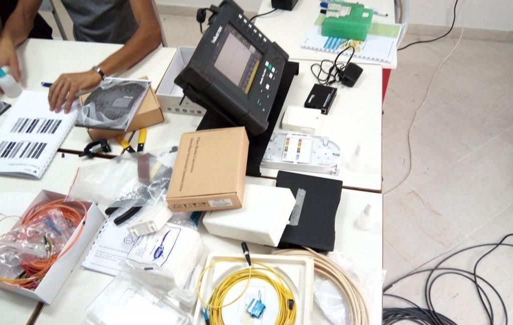 formation fibre optique (8), raccordement, mesure, test, réflectomètre